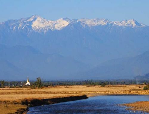 Loma Myanmarin Himalajalla ja rannalla