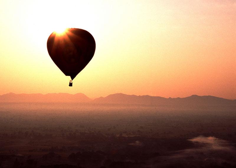 Bagan kuumailmapallo lento
