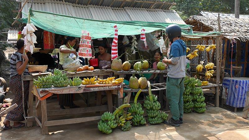 Myanmar motorcycle tour Mandalay 6