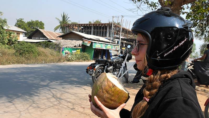 Myanmar motorcycle tour Mandalay 7